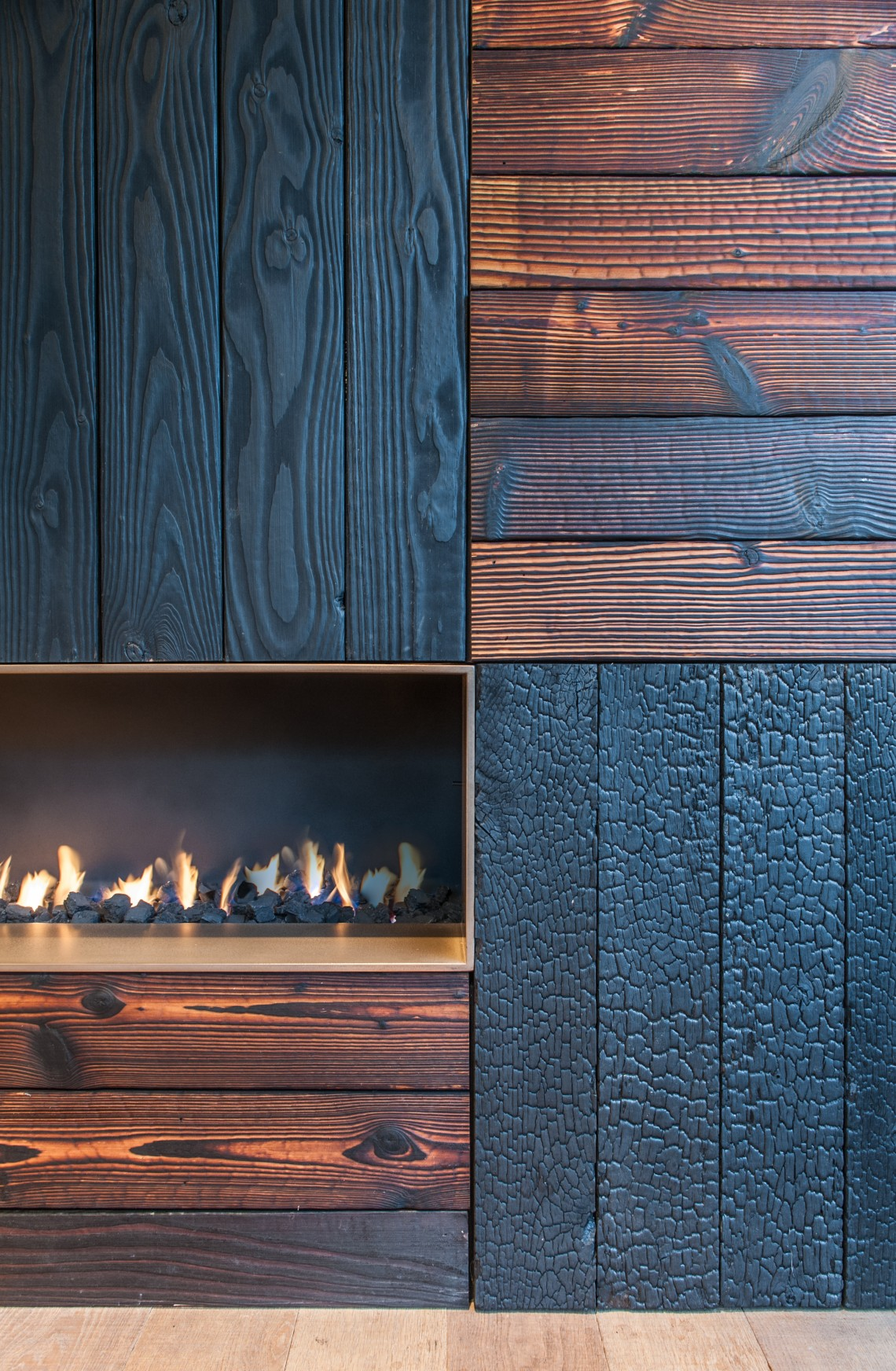 zwarthout shou sugi ban showroom openhaarden. Black Bedroom Furniture Sets. Home Design Ideas