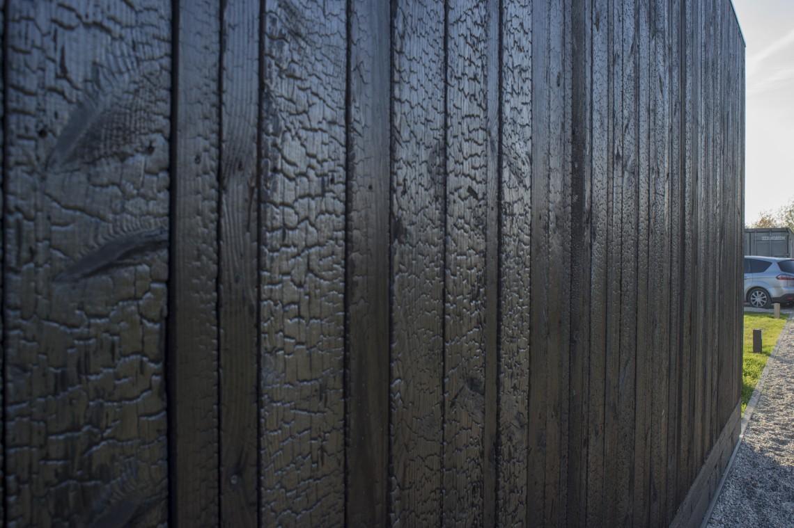 zwarthout shou sugi ban blackbird. Black Bedroom Furniture Sets. Home Design Ideas